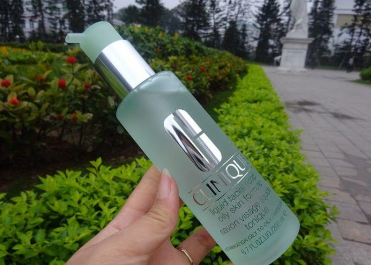Sữa rửa mặt Clinique Liquid Facial Soap Oily